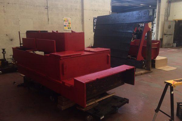 Juillet 2018 : peinture de l'équipement en rouge